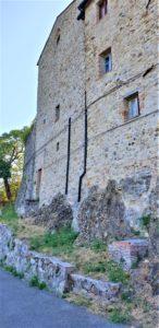 Il paesino de La Leccia per la via dell'Abbazia e le Terme abbandonate di San Michele alle Formiche